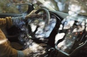 В стиле Volvo: Subaru опубликовал фотографию интерьера нового Outback