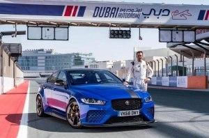 600-сильный Jaguar XE ставит рекорд трассы в Дубае