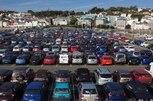 В Украине с 1 июля начнут обустраивать перехватывающие парковки